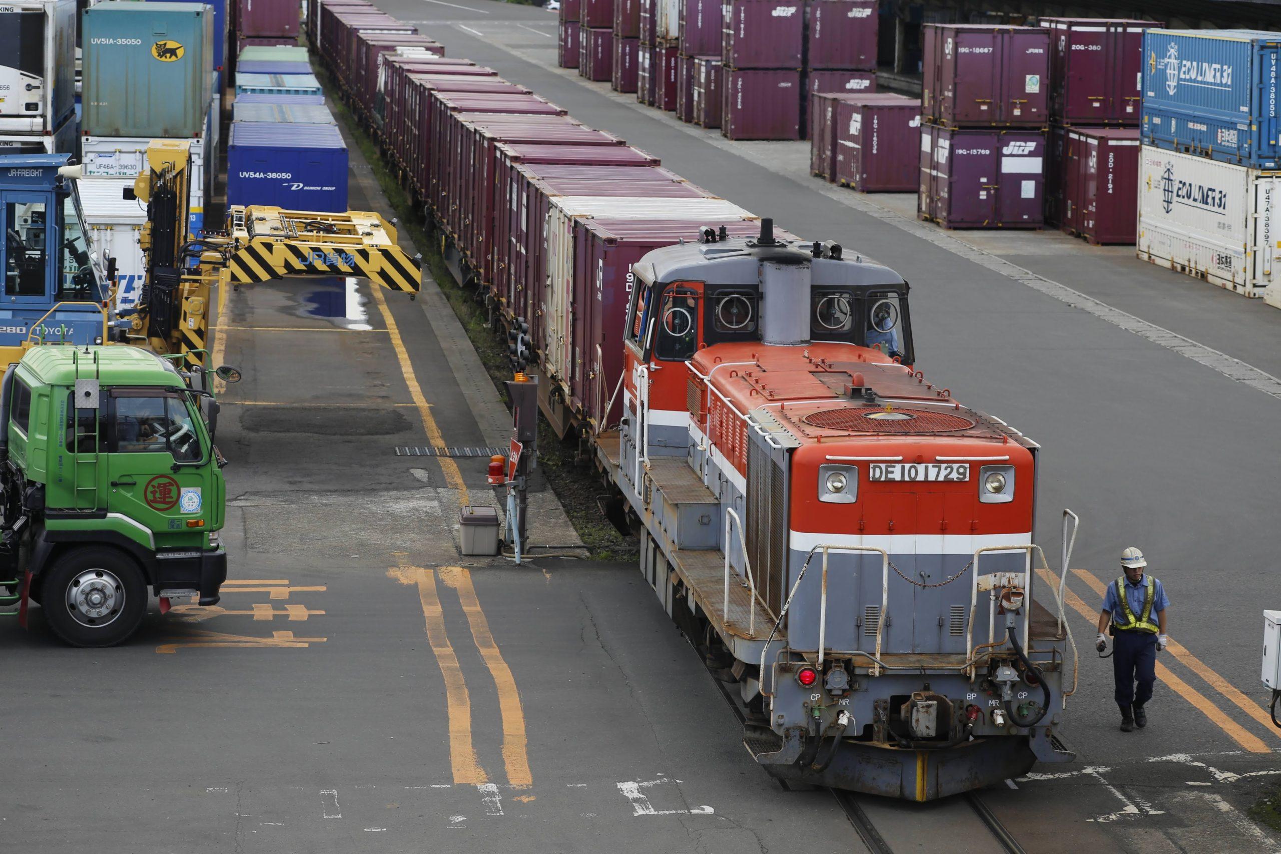 仙台貨物ターミナルでDE10の入換作業を見る in 21年7月